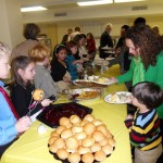 Life at school - Thanksgiving lunch cooked and served by children